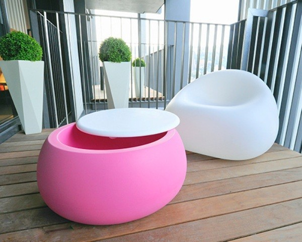 pink-and-white-modern-unique-garden-furn